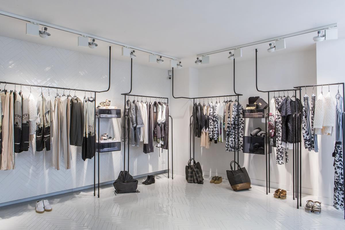 Arredamento negozi roma gallery of chanel nuovo temporary for Negozi arredamento latina