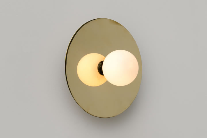 Applique disc and sphere di atelier areti ltd illuminazione